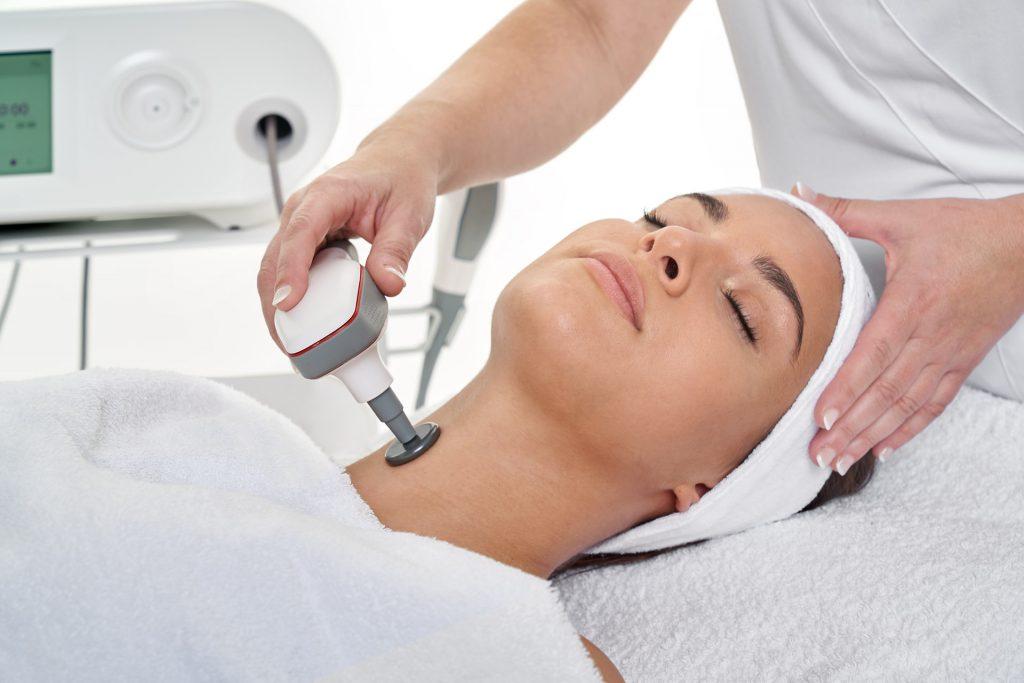 Tratamiento INDIBA FACIAL cuello y escote